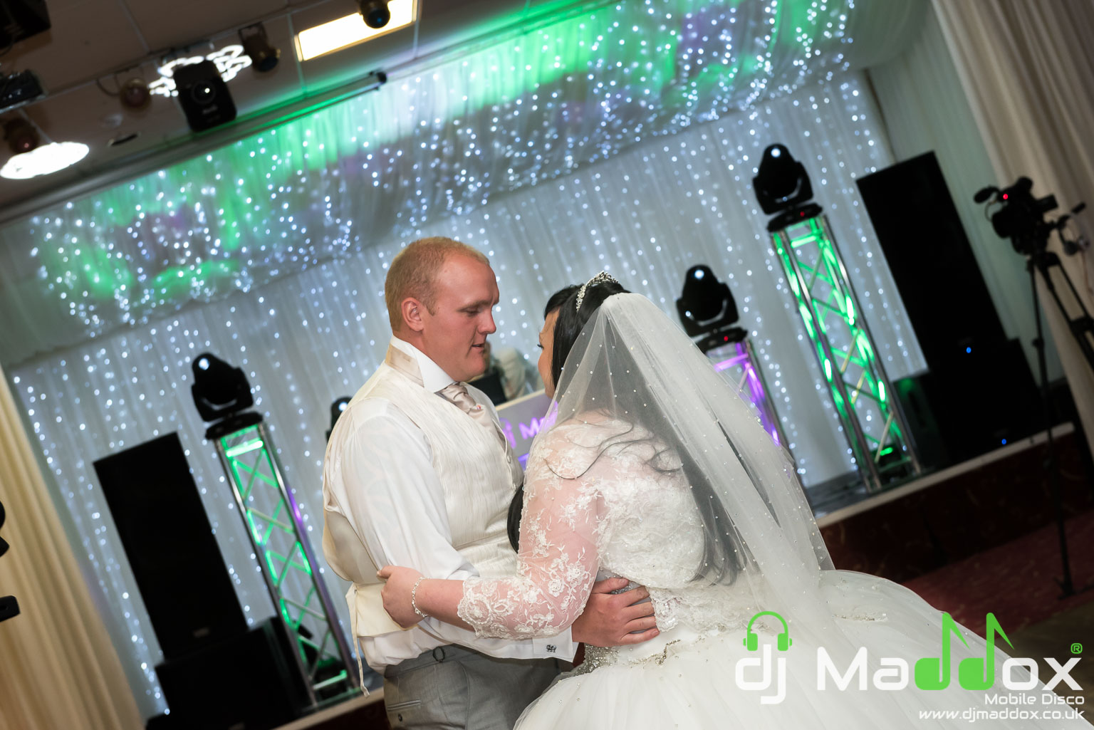 Alice in Wonderland Wedding DJ @ Manor Park Clydach - DJ Maddox ...